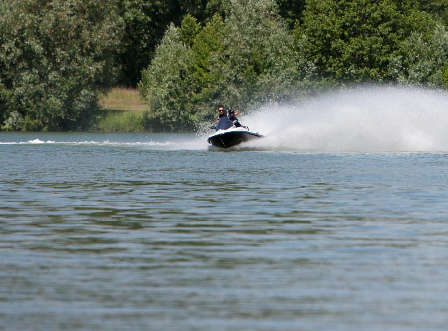 Jet ski cloyes sur le loir en Vallée du Loir