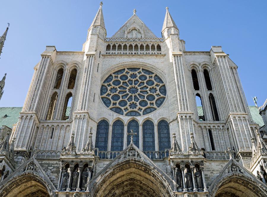 Cathédarle de Chartres hôtel 3 étoiles Logis