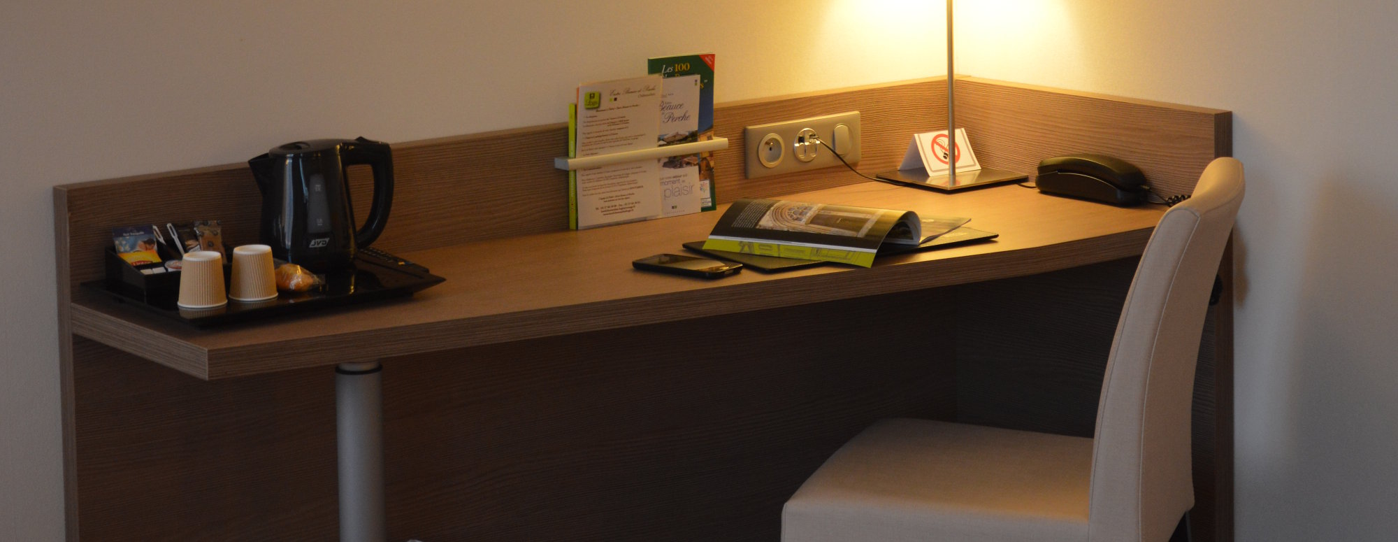 Bureau chambre confort hôtel