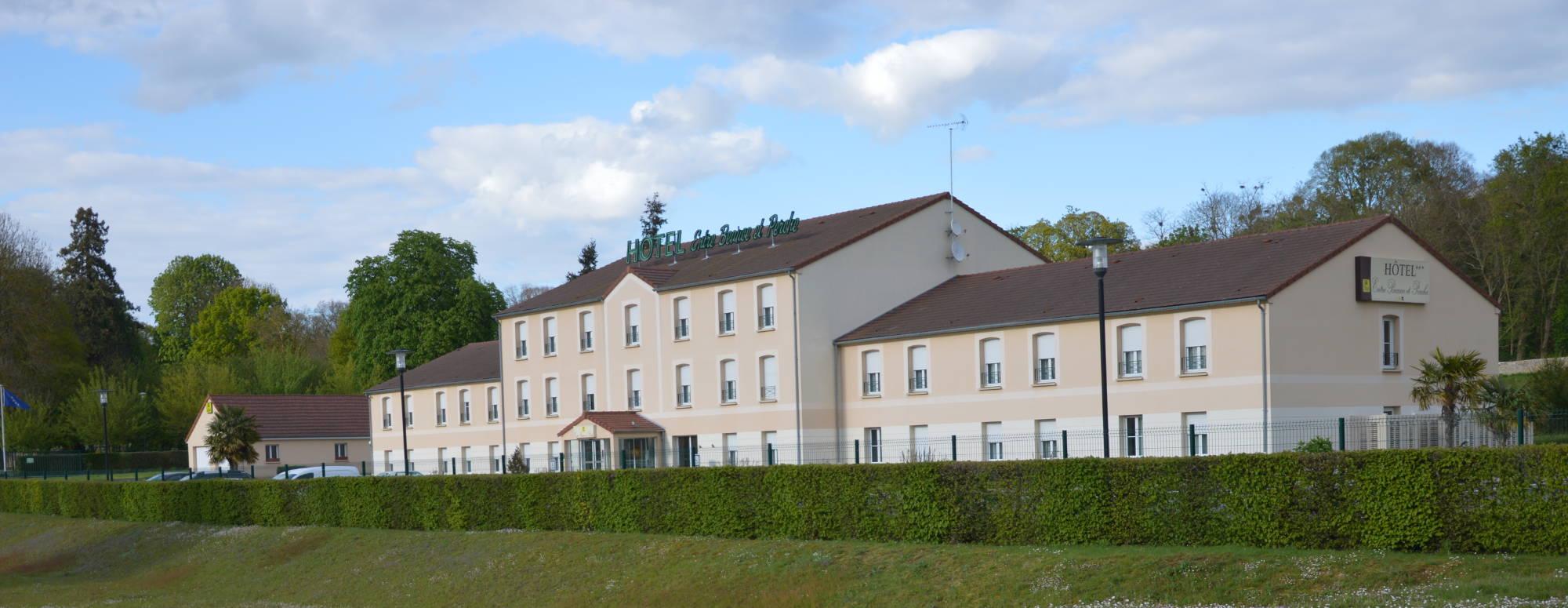 Hôtel Chateaudun Logis 3 étoiles