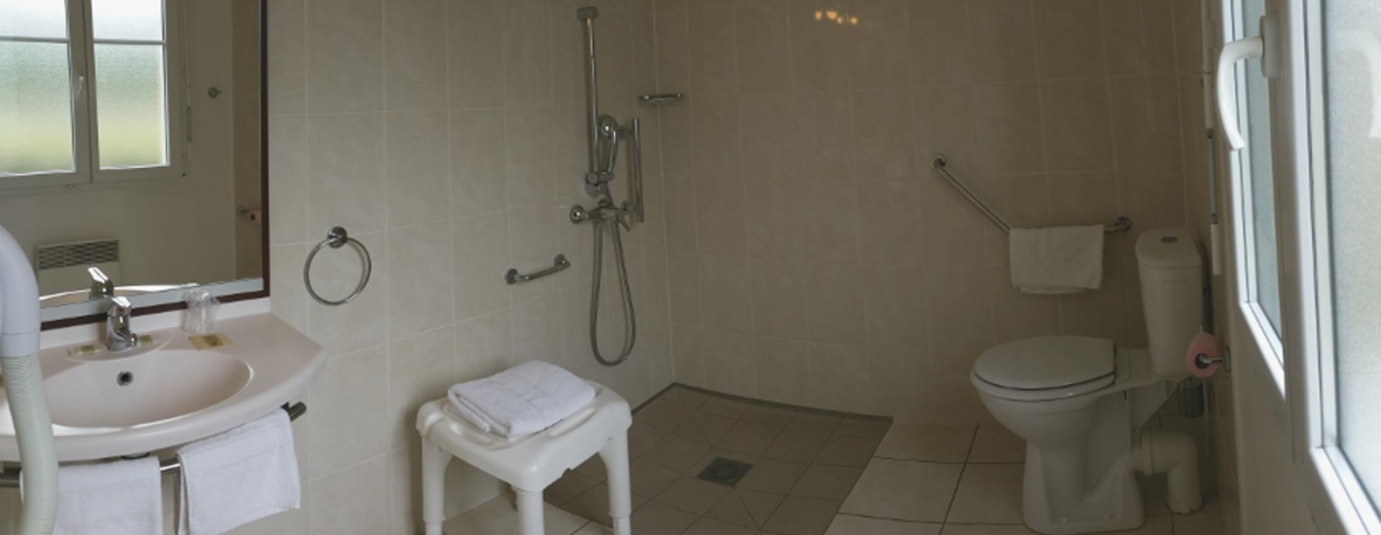 Salle de bain PMR Châteaudun en Eure et Loir